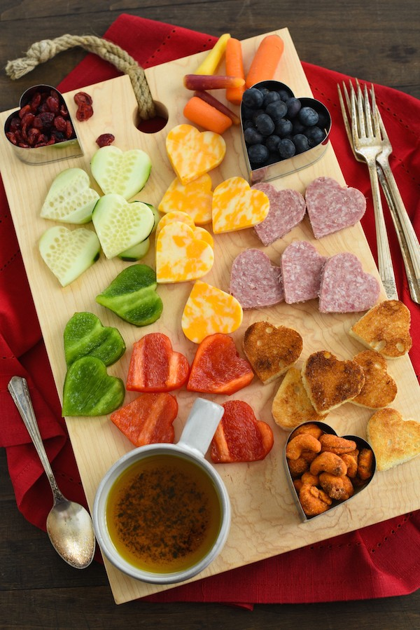 valentines-snack-board-2-600x899